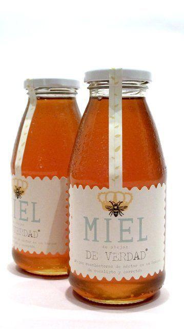 Miel de abejas de verdad  http://www.unpajaritomedijo.com/