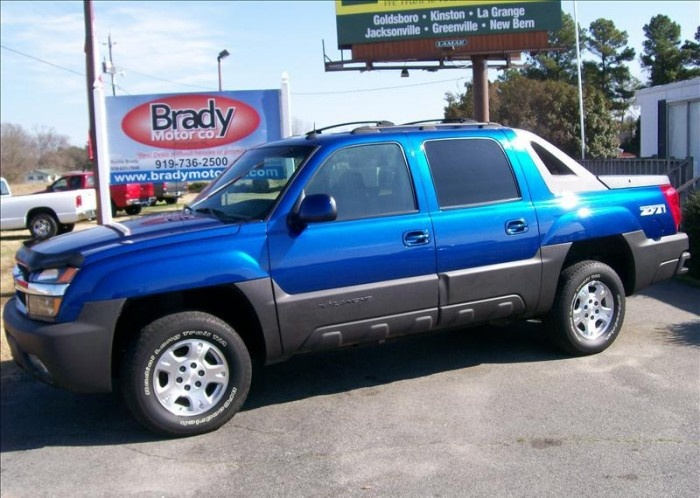 2003 Chevy Avalanche - Looks Like Old Blue...She stuck out her Pouty Grill when I sold her :-(