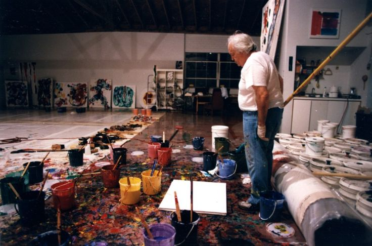 Sam Francis working on his Broadway studio, Santa Monica. Photo by Jerry Sohn