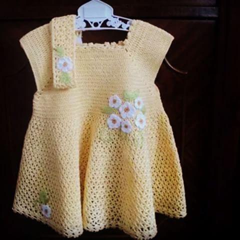 #Örgü #bebek #butik #örgüler #minik#elbise#güzellik.#sarı#beyaz#merserize#kelebek#