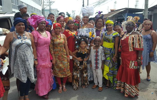Con desfile clausuran Mes de la Etnia Negra en Colón - Panamá América