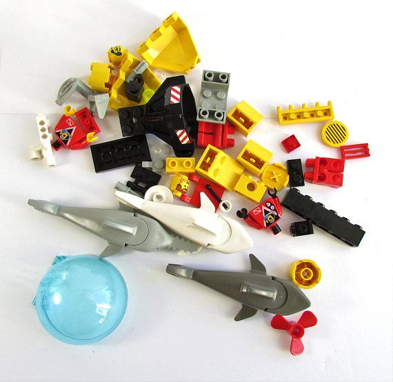 Vintage 1998 LEGO system 6599 all pieces included