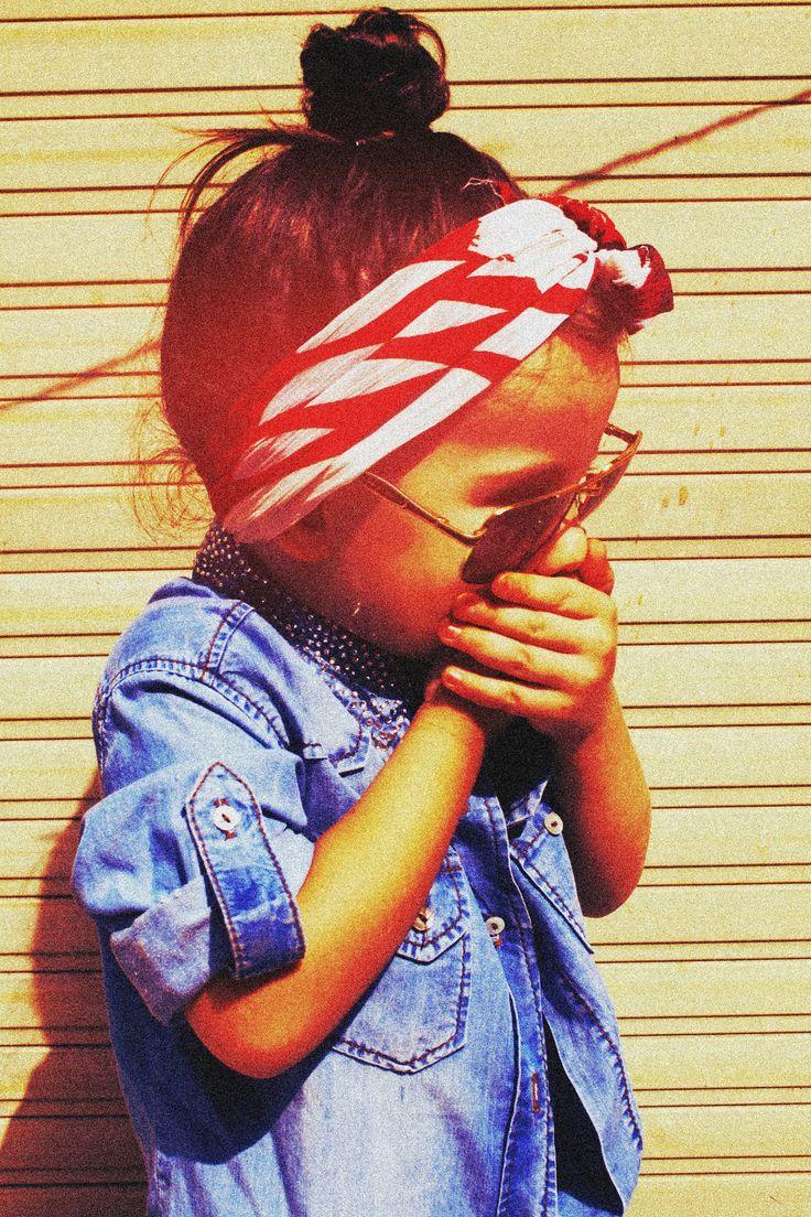 I kinda want to be her! Love the bandana and hair combo