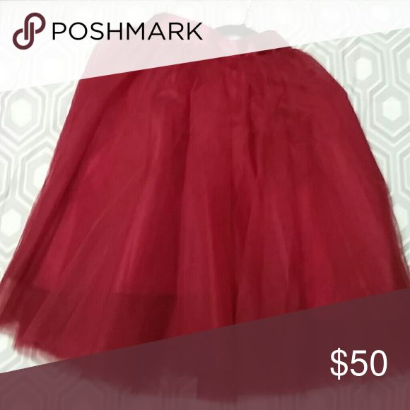 Maroon tulle skirt Beautiful full tulle skirt. Great quality! Only worn once. space 46 Skirts A-Line or Full