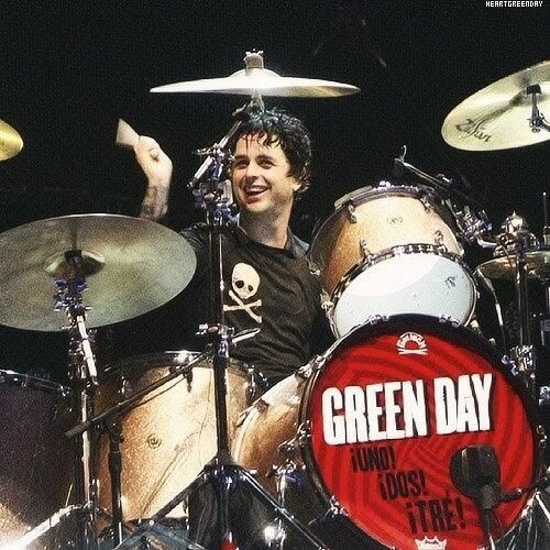 Step aside Trè! Billie Joe is drummer now❤️<<<<I've never heard Billie drum before,but I have a strong felling he would fail miserably Lol