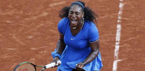 Serena Williams sufre para acceder a octavos en París:...