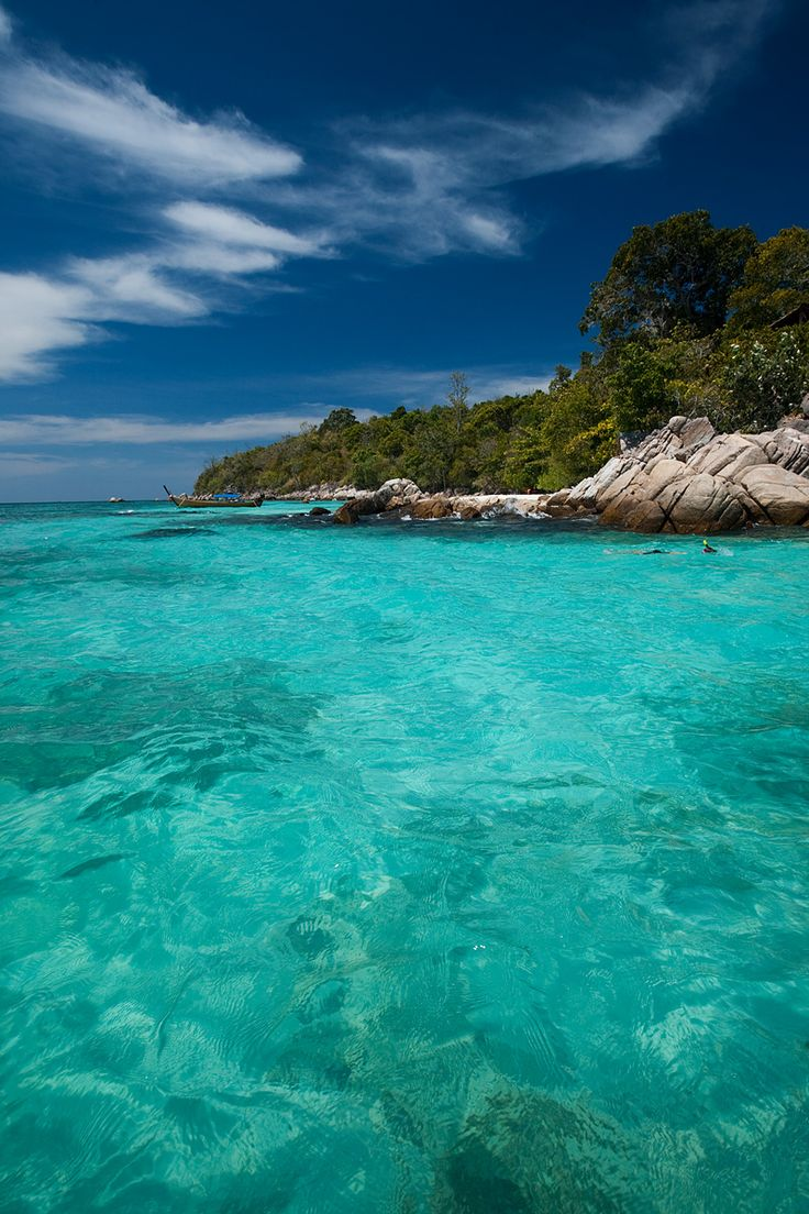 Turquoise Water Pattaya Beach | snorkeler maneuvers around a small set of rocky outcroppings. - Ko ...