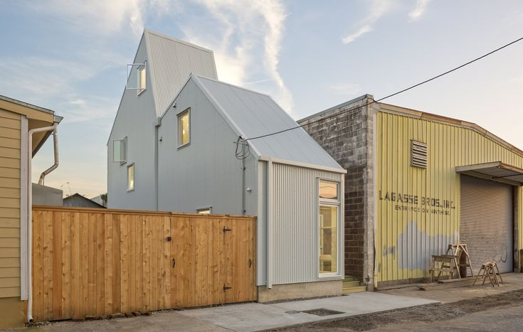 Affordable starter homes are popping up on oddly shaped lots in New Orleans