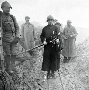 WWI French godmother of Fort de Douaumont, Vicomtesse Benoist d'Azy. -Les marraines de guerre | Chemins de Mémoire - Ministère de la Défense