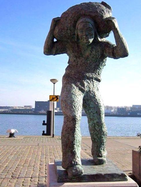 Rotterdam/Katendrecht - De zakkendrager