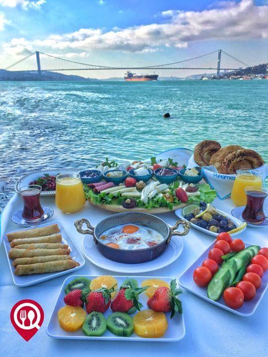 """Serpme Kahvaltı - Kuleli Yakamoz Restaurant / İstanbul (Kuleli)   Çalışma Saatleri 09:00-00:00  0 216 318 9505  45 / Kişi Başı  Alkolsüz Mekan  Paket Servis Yok  Sodexo Ticket Multinet Setcart Yok  Açık Alan Var  Otopark Vale Parking Var DAHA FAZLASI İÇİN YOUTUBE """"YEMEK NEREDE YENİR"""" TAKİP ET.  Sınırsız çay servisi ile birlikte fotoğraftaki görsel 2 kişiliktir. Portakal suyu fiyata dahil değildir."""