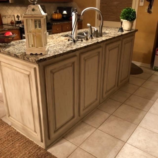 How To Paint Kitchen Cabinets Dixie Belle Paint Company Kitchen Cabinets In Bathroom White Painted Furniture Dixie Belle Paint