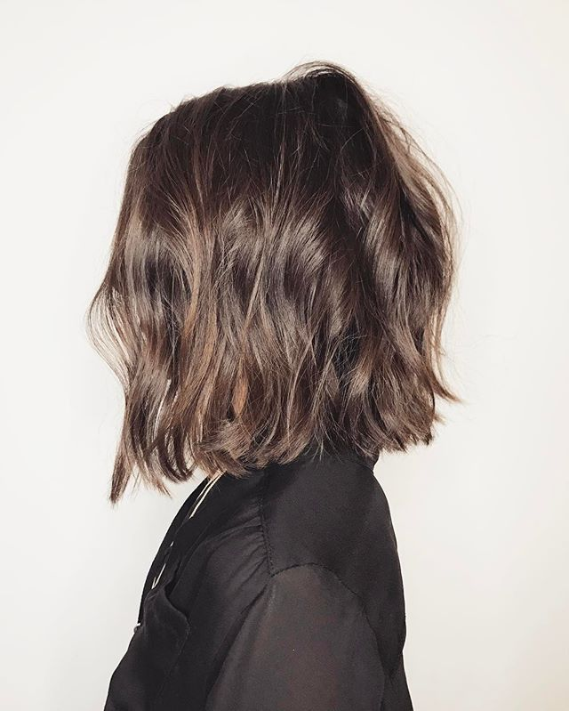 ➖Choppy, weighted lines➖ . . #hair #haircut #lob #messyhair #longbob #