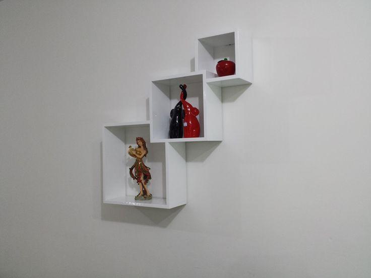 Diaz Useche Artesanos: Repisa tres cubos