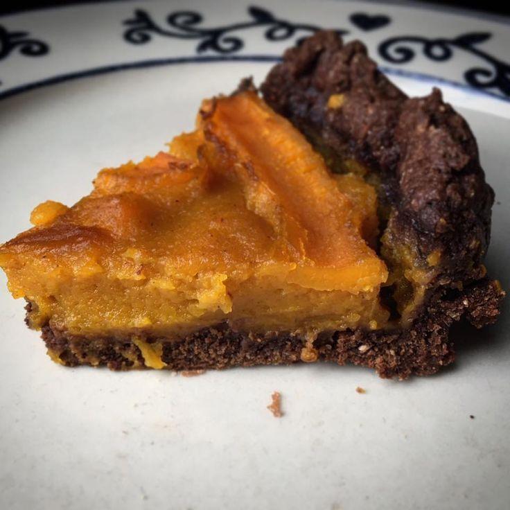 crostata vegan con frolla al cacao amaro e farcia di zucca