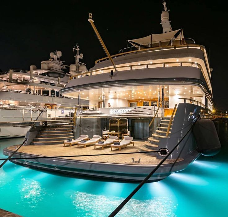 If your sugar daddy doesn't have a yacht… is he even a sugar daddy?