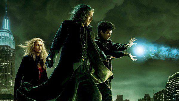 The Sorcerers Apprentice (2010) ศึกอภินิหารพ่อมดถล่มโลก  บัลธาซ่า เบลค (นิโคลัส เคจ) เป็นปรมจารย์แห่งพ่อมดที่อยู่ในแมนฮัตตันยุคปัจจุบัน พยายามที่จะปกป้องเมืองนี้จากคู่อริตลอดกาลของเขา แม็กซิม ฮอวัต (อัลเฟรด โมลินา) บัลธาซ่าไม่สามารถรับมือได้ด้วยตัวคนเดียว เขาจึงเลือก เดฟ สตัทเลอร์ (เจย์ บารูเชล) ชายหนุ่มที่ดูบ้าน ๆ