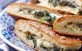 Täytetyt pinaatti-juustoleivät / Spinach and cheese sandwiches