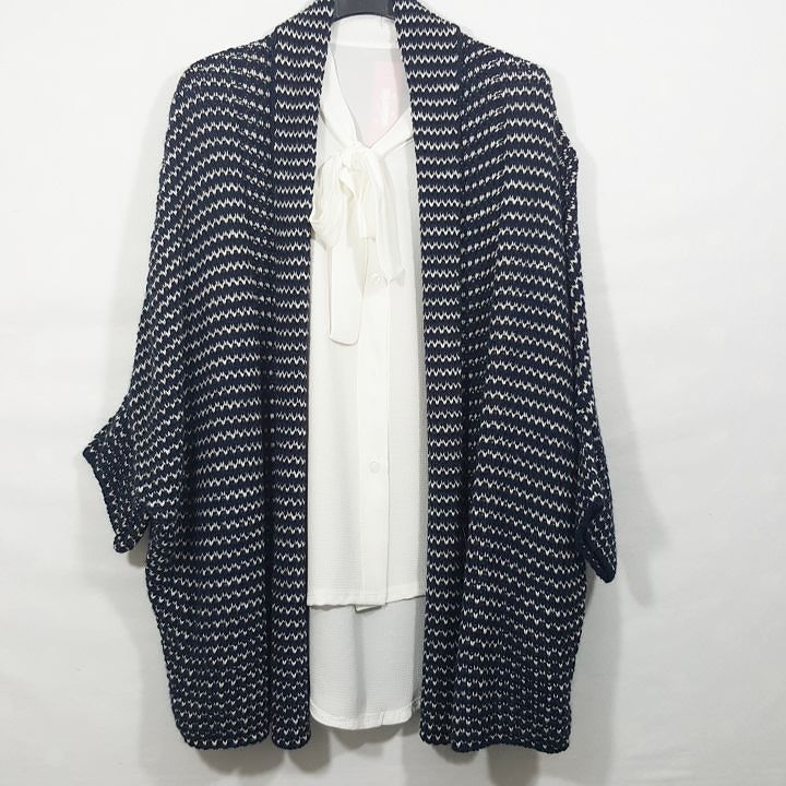 #cardigan #lana #blu e bianco #camicia #fiocco #bianca #nera #blu #valeria #abbigliamento