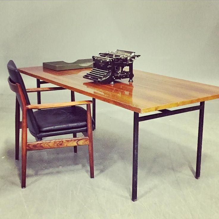 "20cmodern:  ""Florence Knoll 'Executive desk 503' and an Arne Vodder chair by Sibast. #knoll #florenceknoll #knollinternational #nk #nordiskakompaniet #sibast #vodder #arnevodder #midcentury #modern #midcenturymodern #scandinaviandesign #modernist #americandesign #50tal #50s #1950 #typewriter #skrivmaskin #furniture #möbler #design #auction #auktion #stockholm #sweden #sverige"" by @joanna_andreas on Instagram http://ift.tt/1n8RHBx"
