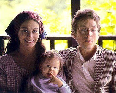 Bob Dylan with wife Sara Dylan and son