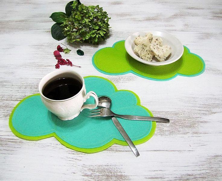 Neşeli Fıstık Yeşili ve Nane Yeşili Bulutlar -Mini Amerikan Servisi -Kahvaltı Altlığı -2 adet