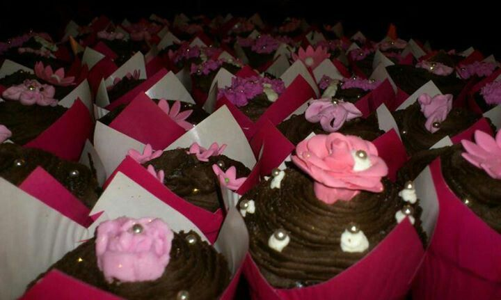 Sharon's Birthday cupcakes