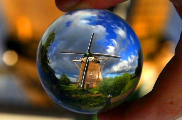 Kees Straver - Traveling with a Crystal Ball