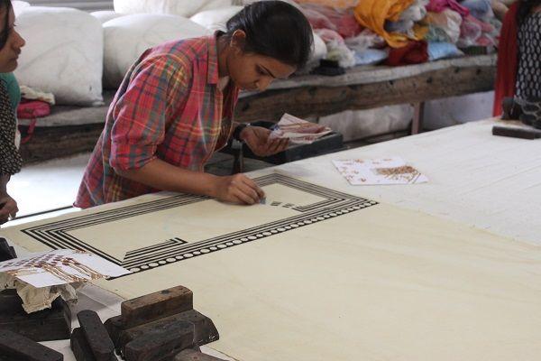 Learn the art of hand block prints & vegetable dyes in Rural Rajasthan | Padhaaro