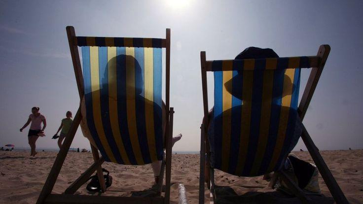 No safe way to suntan, new NICE guidance warns - BBC News