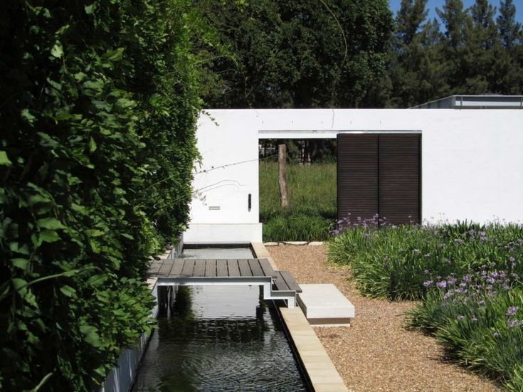 Cape Town-based studio Van Der Merwe Miszewski Architects has completed the Maison project in 2009.    This single family residence is located in the heart of the Franschhoek Valley, in Cape Winelands, a region of the Western Cape Province of South Africa.