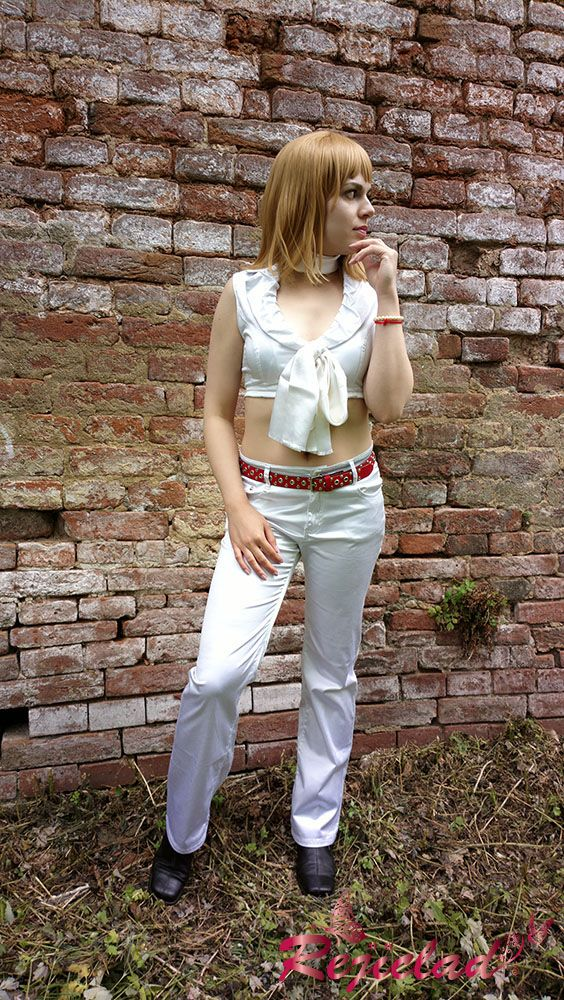 Where am I supposed to hide, hmm?? Ashley Graham Resident Evil / Biohazard 4 cosplay by Rejiclad.deviantart.com on @DeviantArt