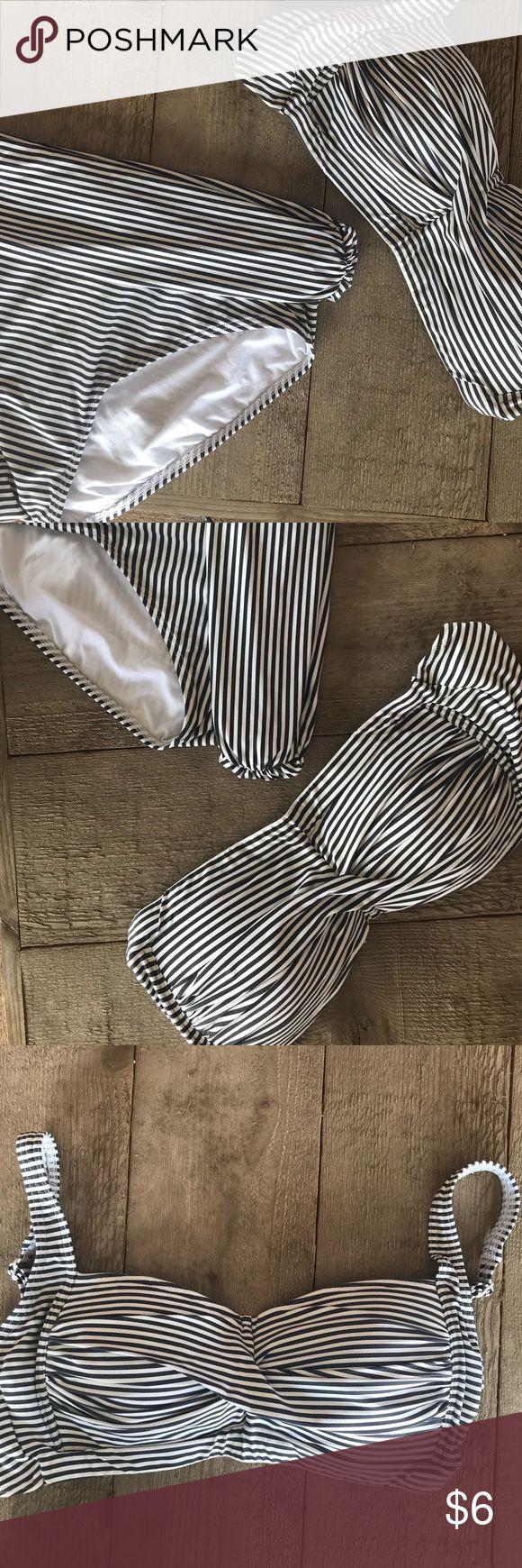 👙 Two piece nautical, fold over bikini 👙 Blue and white nautical bikini. Full coverage bottom and top. Sturdy straps that are adjustable and very comfortable. Used. bond eye Swim Bikinis