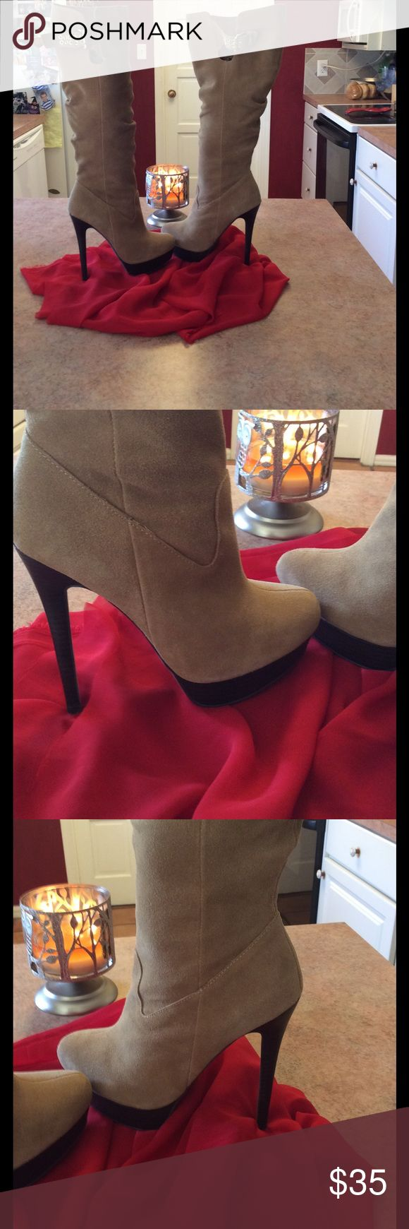 Colin Stuart knee high heeled Suede  boots 👢 Pretty camel 🐫 tan Suede heeled boots in good used condition - a few small spots on Suede as shown in photos may clean off easily with a Suede cleaner Colin Stuart Shoes Heeled Boots