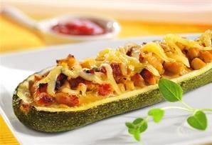 Nadziewana cukinia / Stuffed zucchini  www.winiary.pl