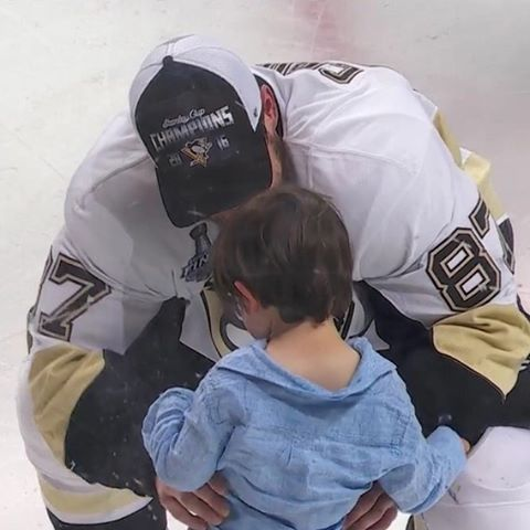 Sidney Crosby with Alex Letang