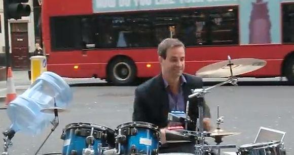 Schlagzeug Medley in der Londoner Innenstadt on http://www.drlima.net