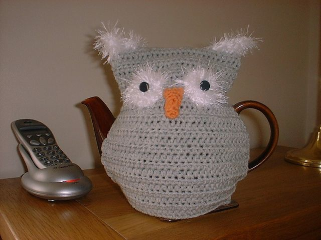 Knitted Owl Tea Cosy Pattern : 110 best My Knit and Crochet Designs images on Pinterest