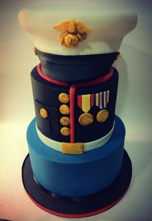 perfect cake for your patriotic military wedding - marine cake!#militarywedding #usmcwedding #armywedding #usmc #marines #wedding #military