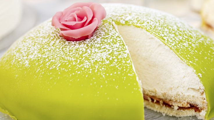 10 things to know about Swedish food - Princess cake