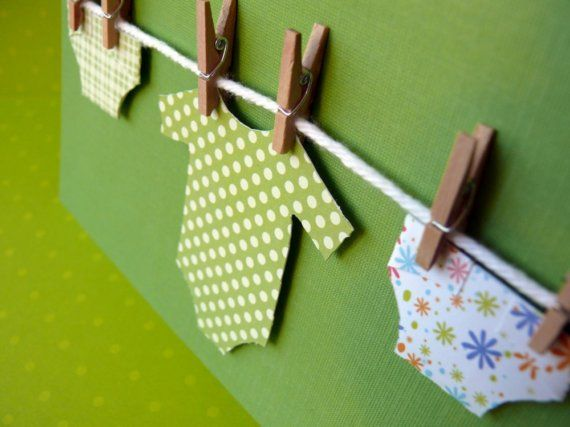 Love this cute washing line card. Use wool or string, mini pegs and cut out clothing shapes from coloured cardstock.