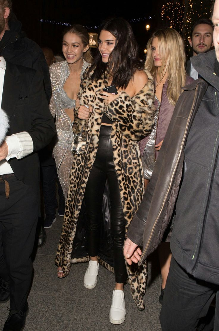 Gigi Hadid, Kendall Jenner and Lily Donaldson | bellloneil