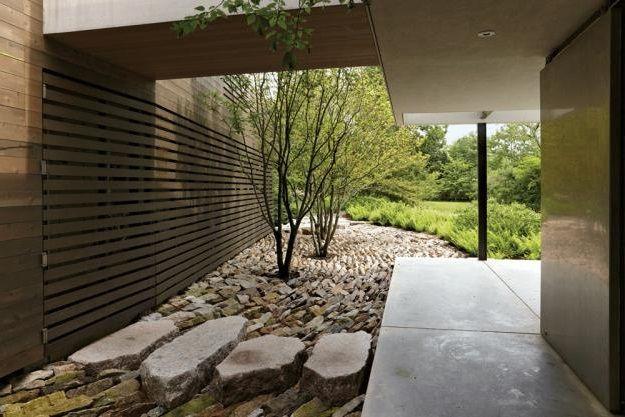 Modern garden idea for you