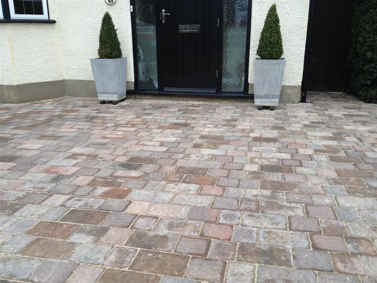 A well-laid, attractive block paved Pinner Paving driveway is a great addition to any home. It's clean,