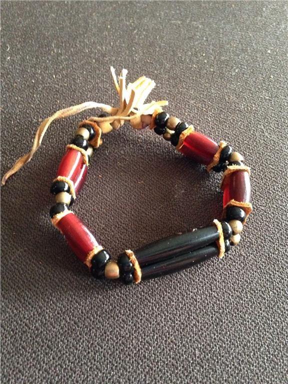 Annons på Tradera: Native American friendship bracelet