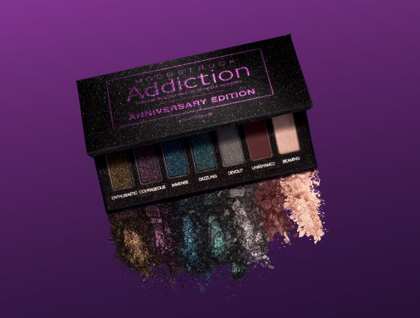 The Fifth Year Soirée Get ready to glam up the night! This is the perfect palette for you nights out, holiday parties, and especially new years eve parties! These colors will create the perfect smokey night time glam!