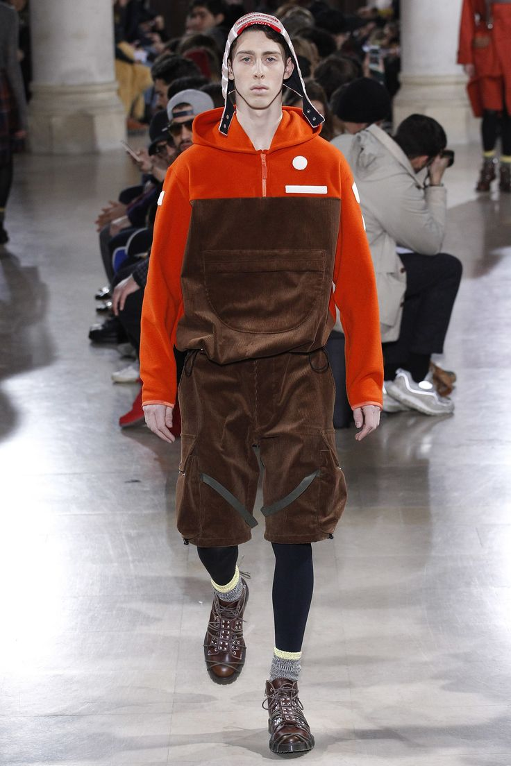 See the complete Julien David Fall 2017 Menswear collection.