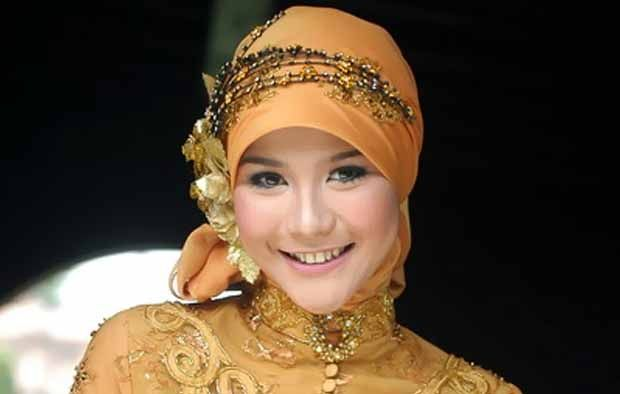 Potret Kehidupan Modern Hijabers (HIJAB) Oleh Zaskia Adya Mecca - http://www.sentralpos.com/2478/potret-kehidupan-modern-hijabers-hijab-oleh-zaskia-adya-mecca/