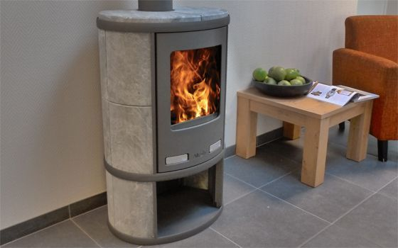 Brandstof: Hout Warmte afgifte: 40 – 210 m3 Capaciteit: 4-11 kW Aansluiting pijp: bovenkant Pijpdiameter: 150 mm Gewicht: 210 kg Depot ...