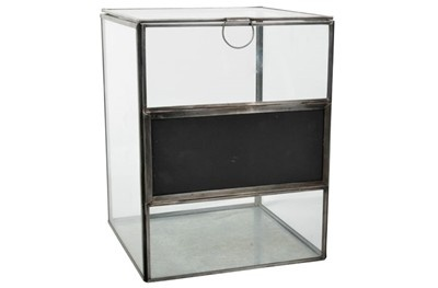 Glasbox med griffeltavla stor (Two Shabby Chicks)